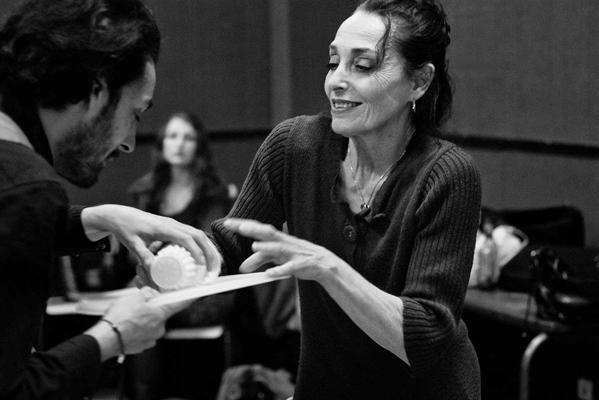Comédiens répétant une scène au Cours Peyran-Lacroix - cours du soir
