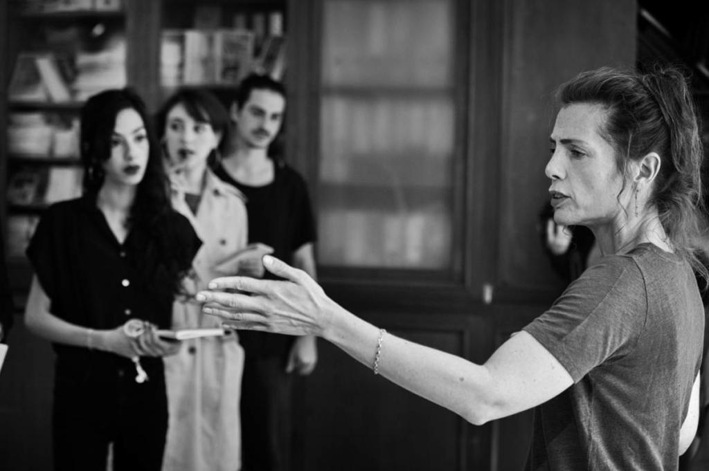 Margaux Delafon en séance de travail pour la pièces Proche jouée le 9 juin 2019 à La Pépinière Théâtre - Cours pro